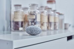claesson-koivisto-rune-soft-stone-massage-pillow-tokyo-design-week-designboom-09