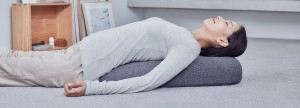 claesson-koivisto-rune-soft-stone-massage-pillow-tokyo-design-week-designboom-1800